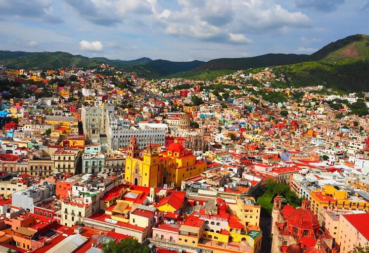 メキシコらしいカラフルな街グアナファト